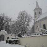 Kirche und Eingang zum Schlosspark